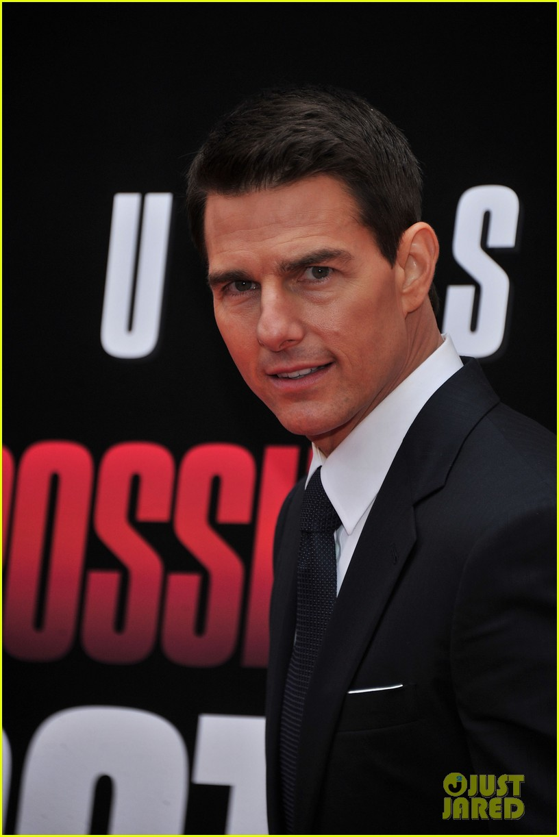 tom cruise katie holmes mission impossible premiere nyc 122611238