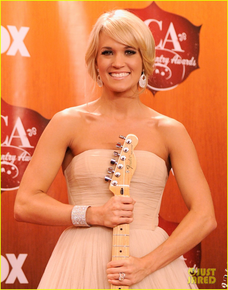 carrie underwood aca 2011 13
