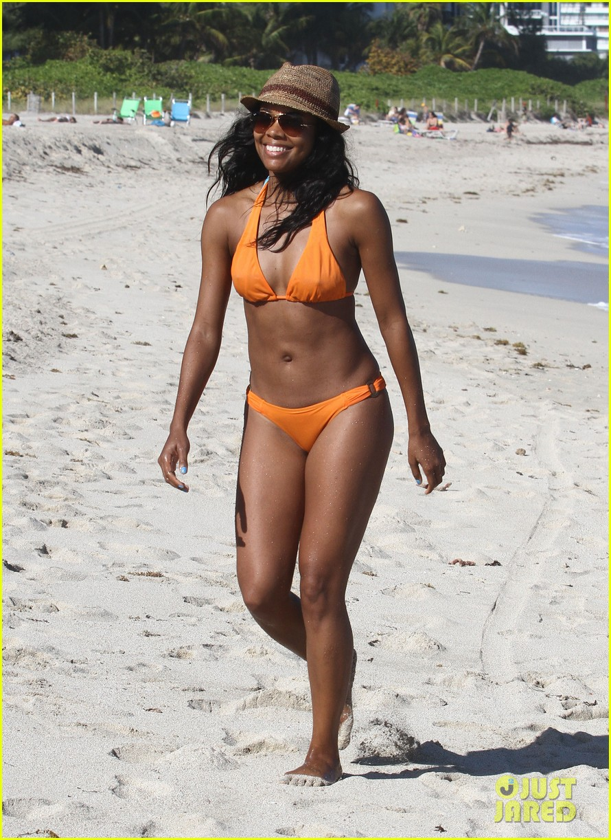 gabrielle union beach bikini 03