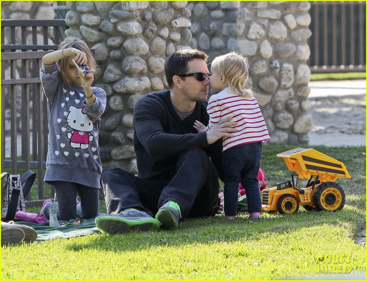 mark wahlberg family park day 042611926