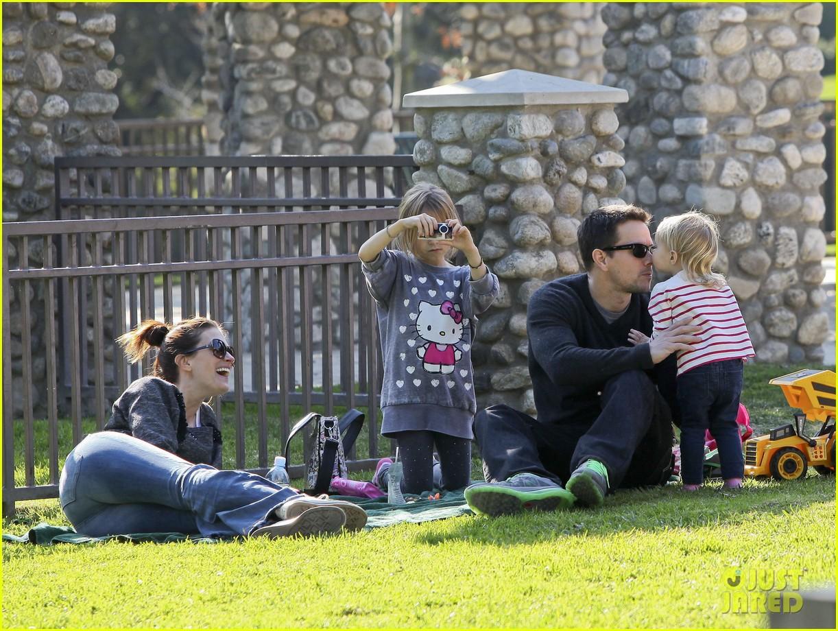 mark wahlberg family park day 102611932