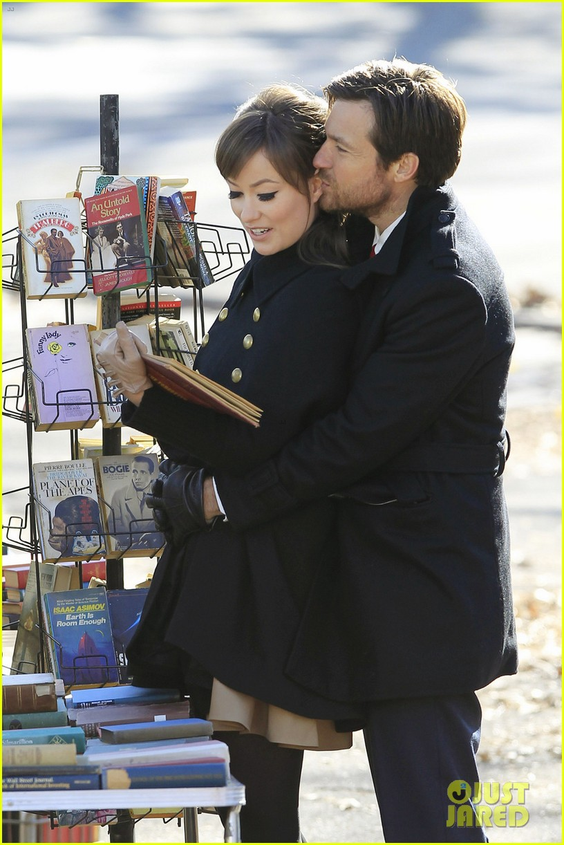 olivia wilde jason bateman longest week kiss in central park 122605749