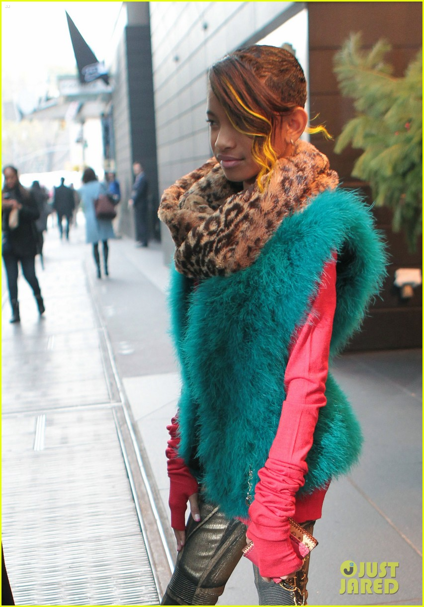 willow smith colorful nyc 01