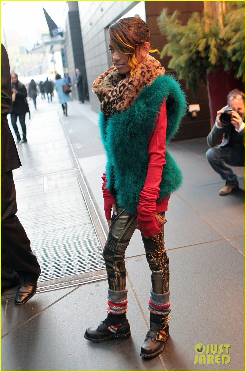 willow smith colorful nyc 032606792