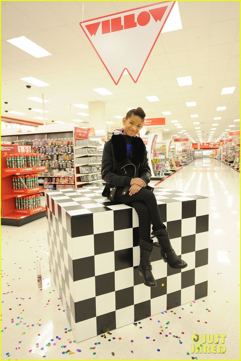 willow smith target shopping spree boys girls club 02