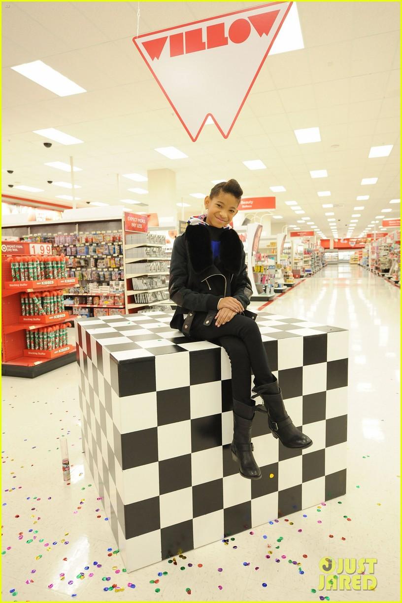 willow smith target shopping spree boys girls club 02