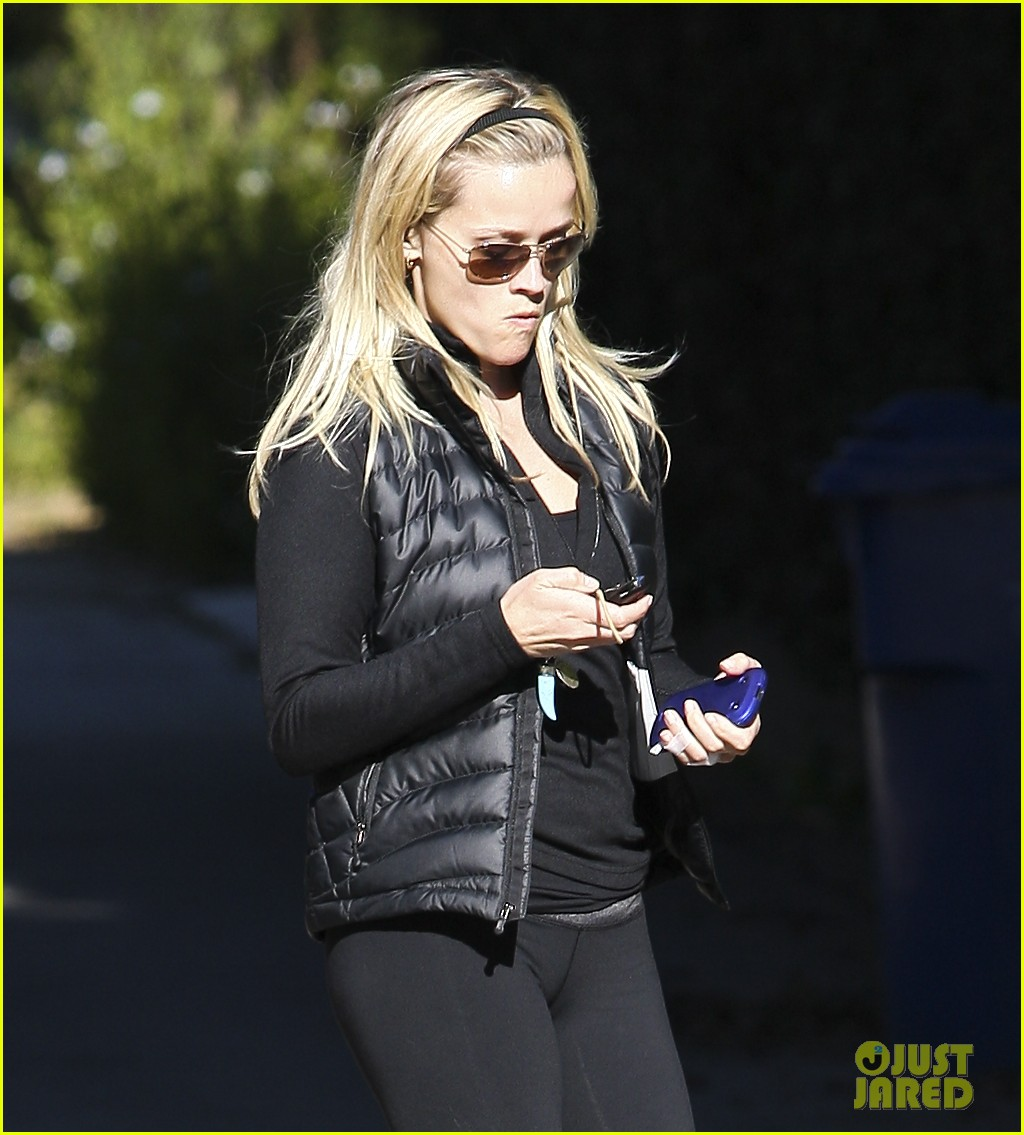 reese witherspoon this means war international trailer 10