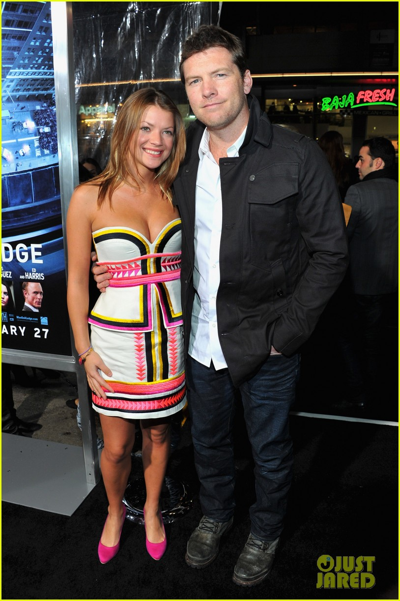 elizabeth banks sam worthington man cliff premiere 10