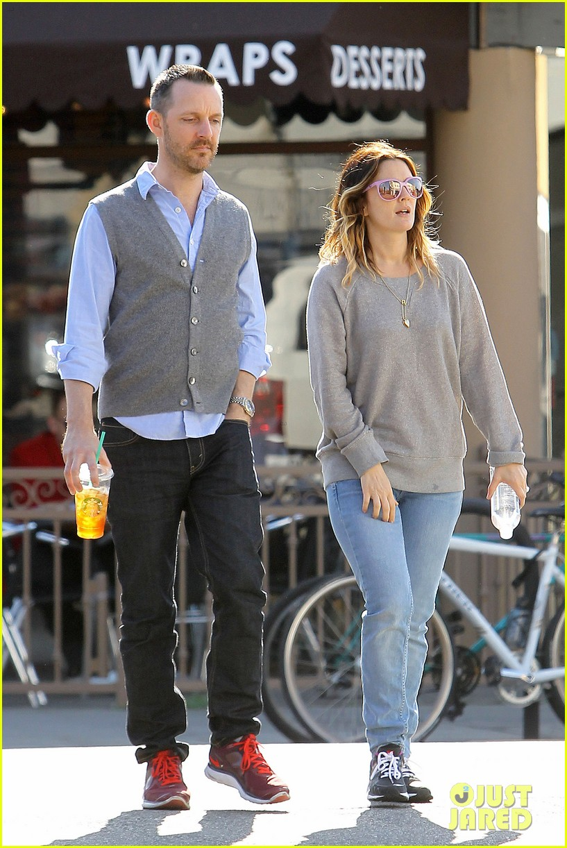drew barrymore friend starbucks 082619399