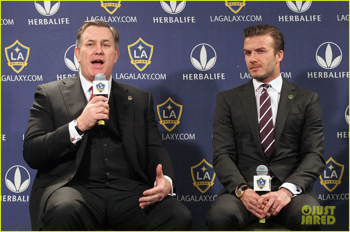 david beckham la galaxy signs again 02
