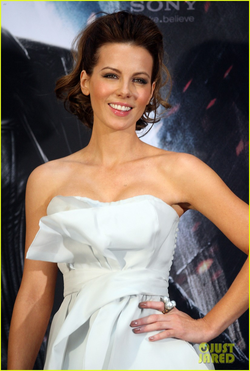 kate beckinsale underworld awakening berlin photo call 032622102