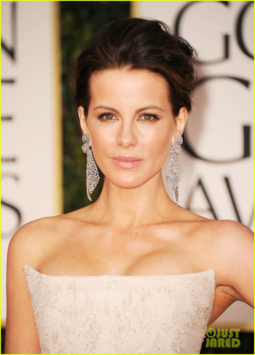 kate beckinsale golden globes 042618576