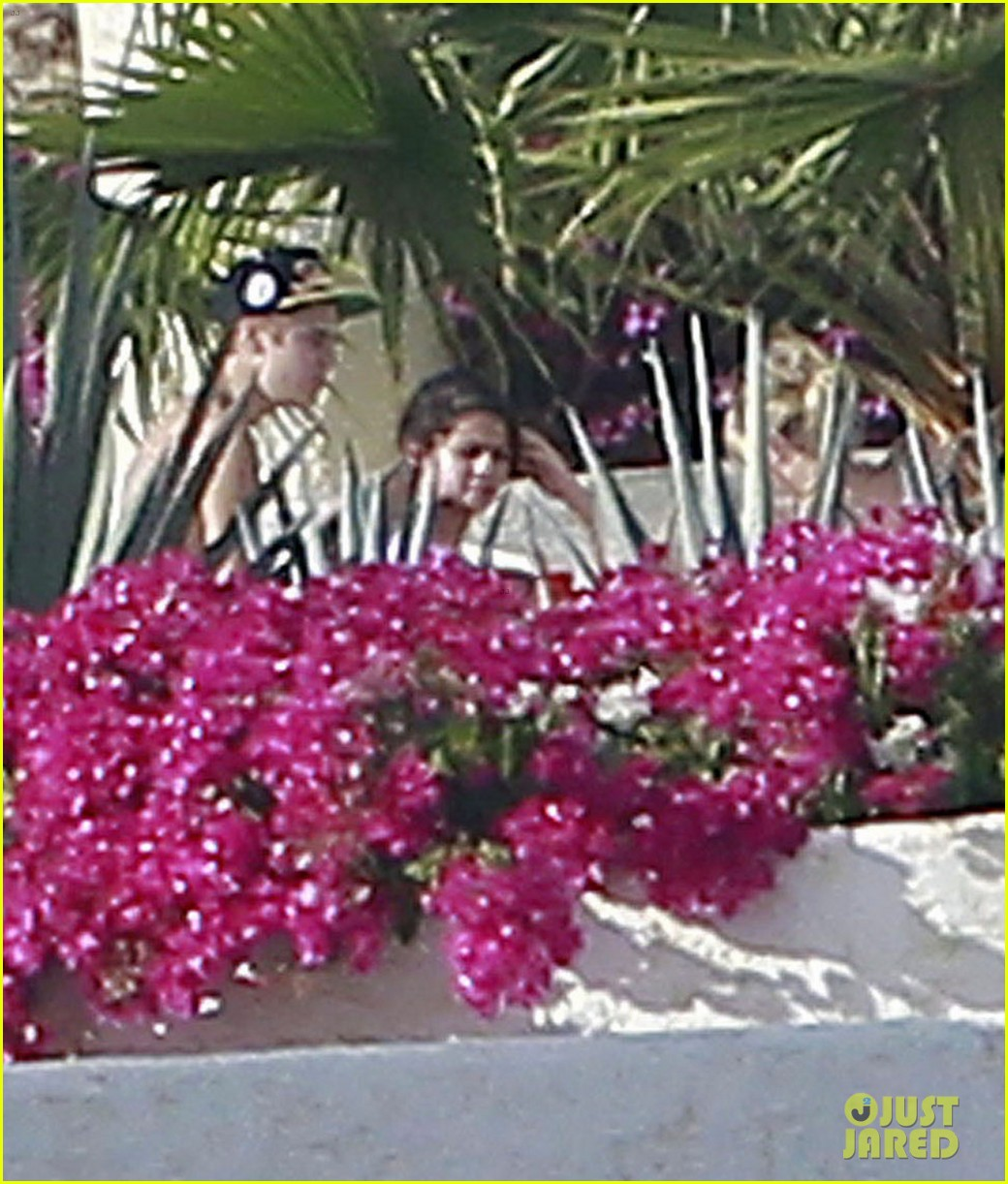 justin bieber shirtless selena gomez 122615502