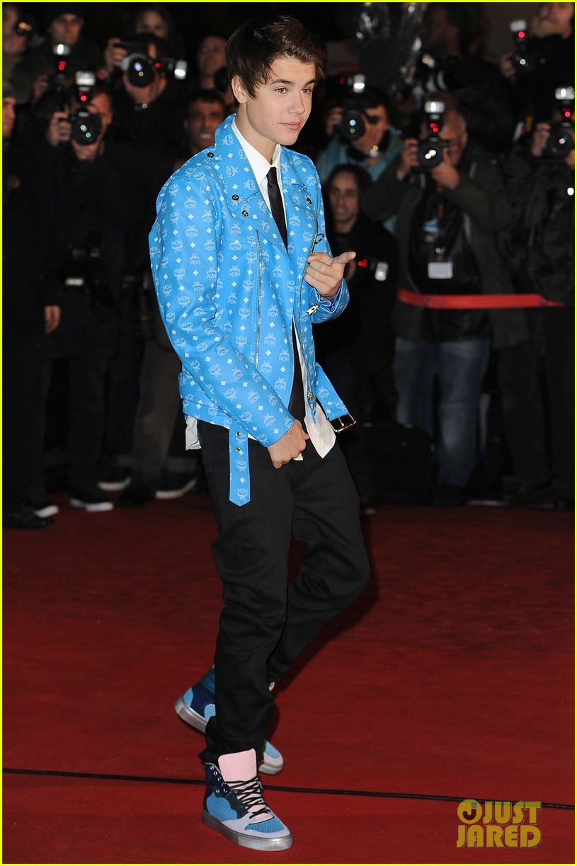 justin bieber darker do at nrj awards 10