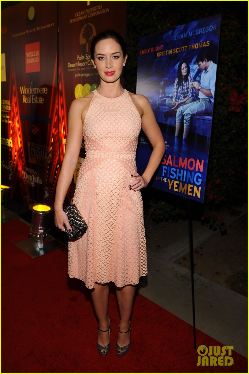 emily blunt salmon fishing in the yemen premiere 02
