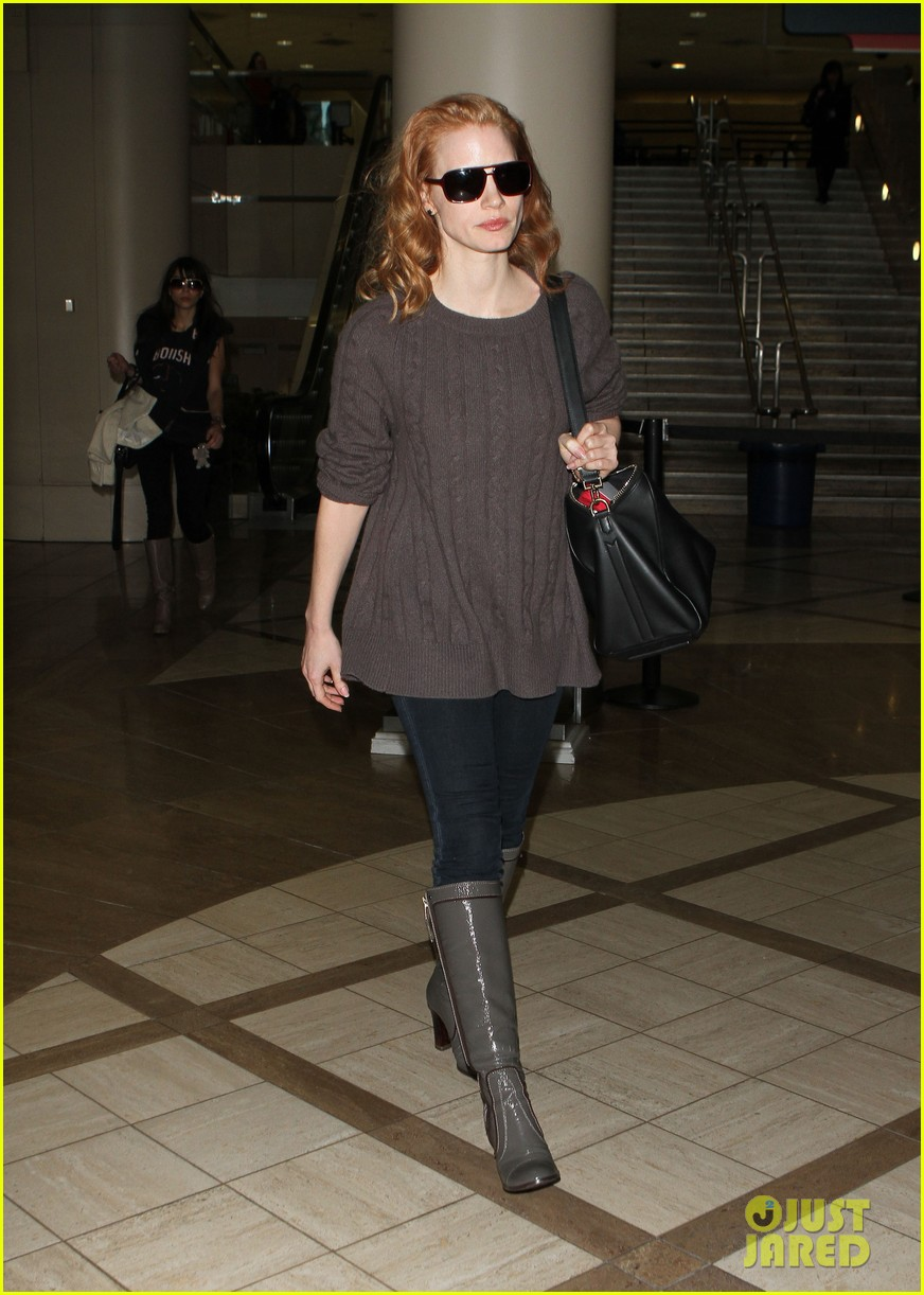 Jessica Chastain Lands at LAX Jessica Chastain
