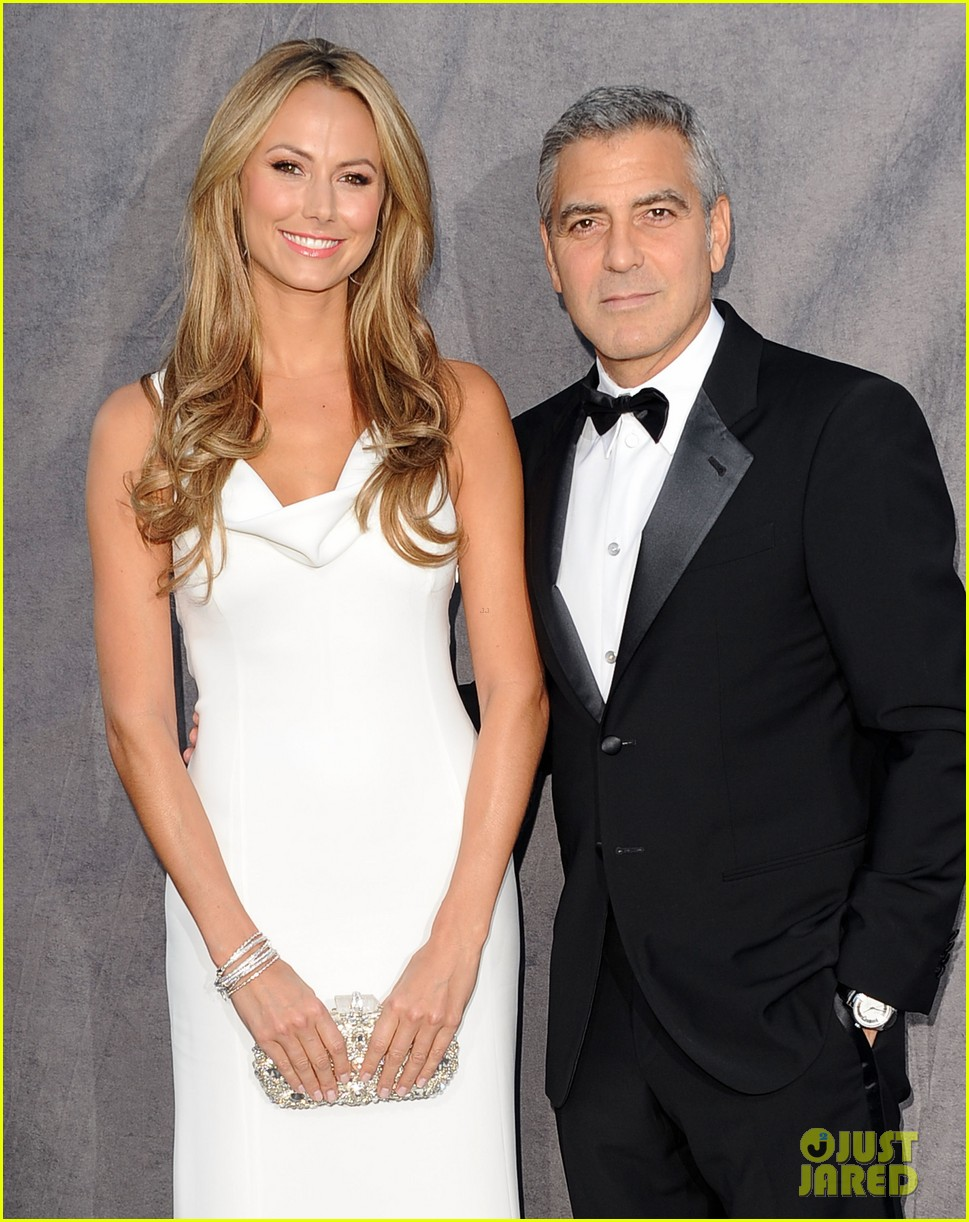 george clooney stacy keibler 2012 critics choice awards 022617018