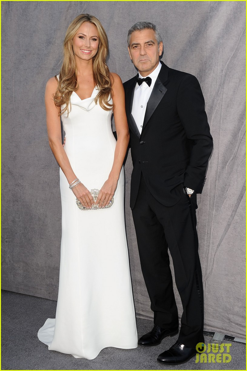 george clooney stacy keibler 2012 critics choice awards 062617022