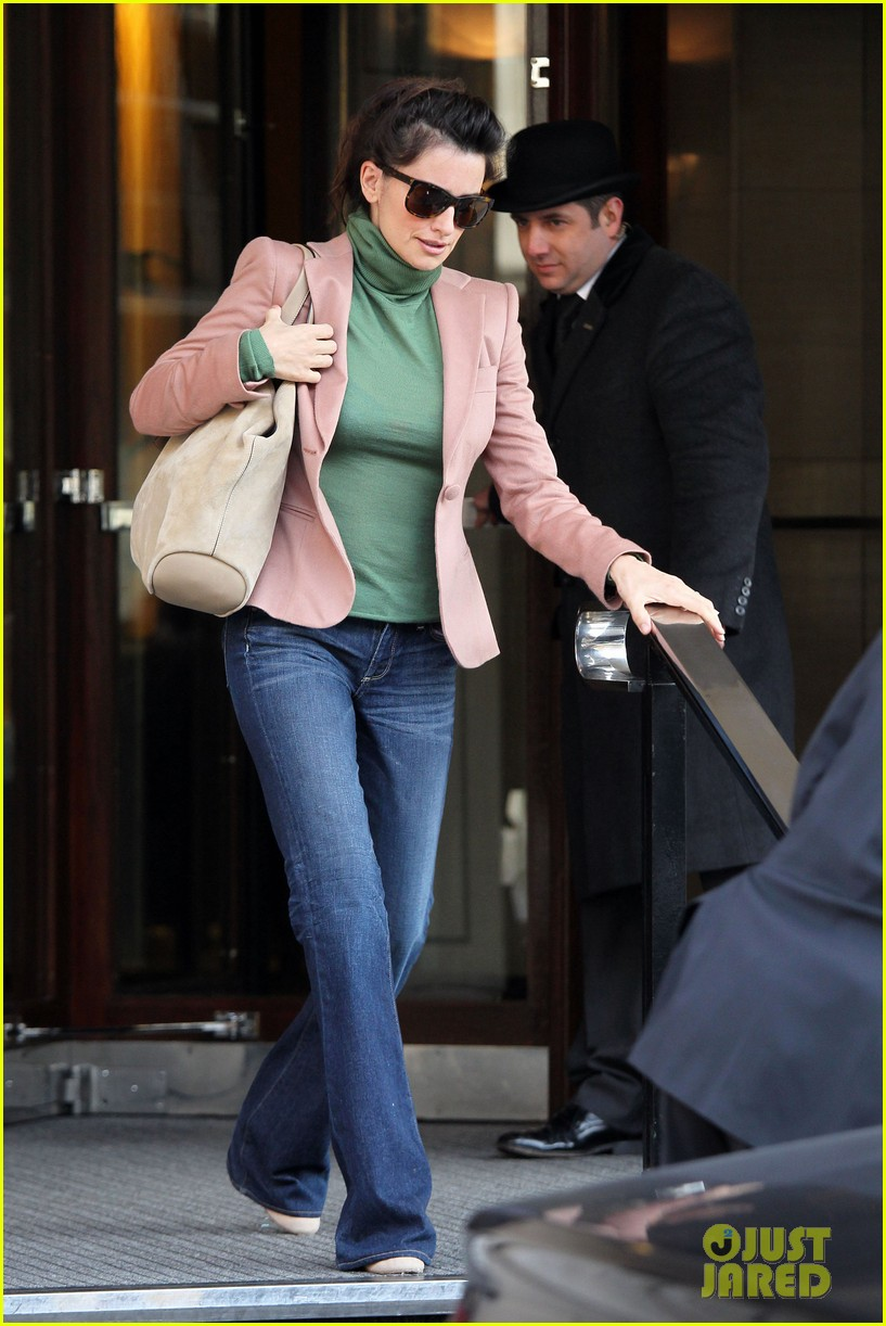 penelope cruz retail therapy in london 12