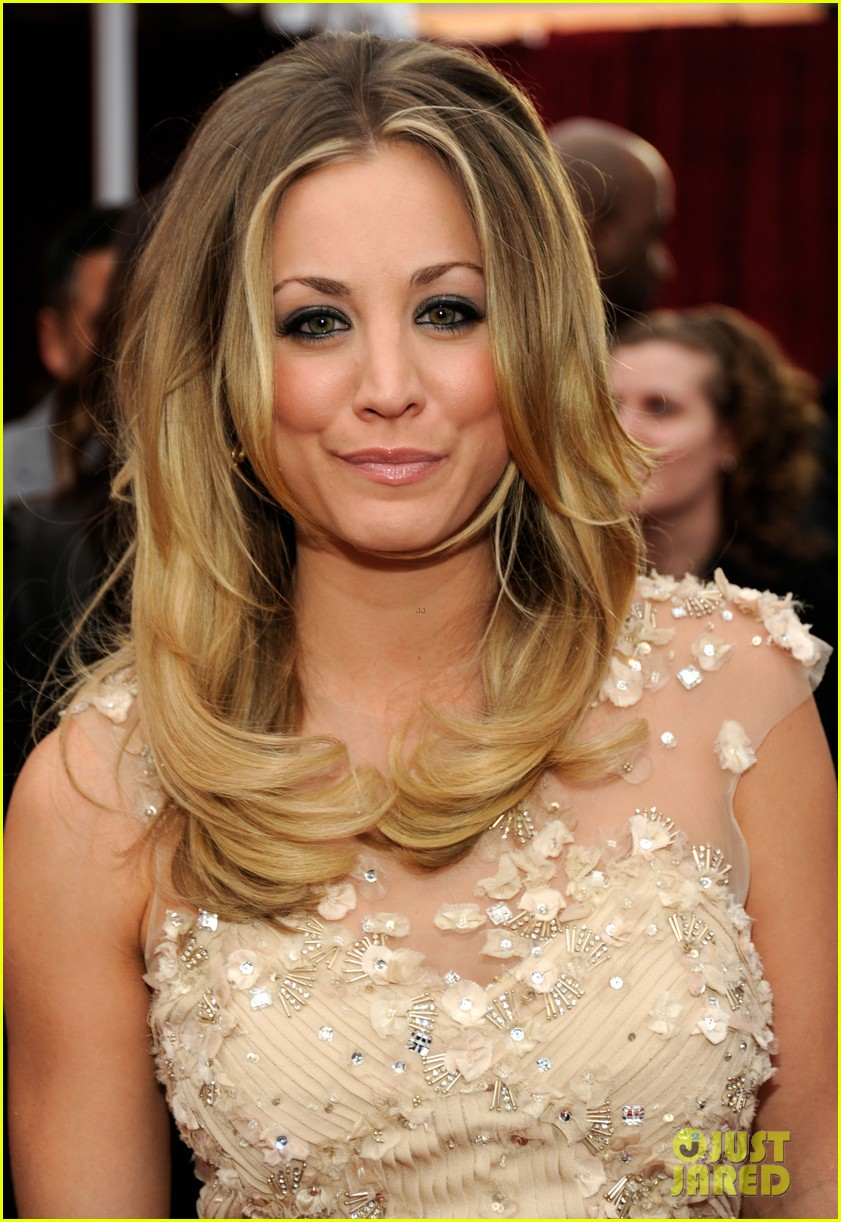 kaley cuoco peoples choice 2012 062616507