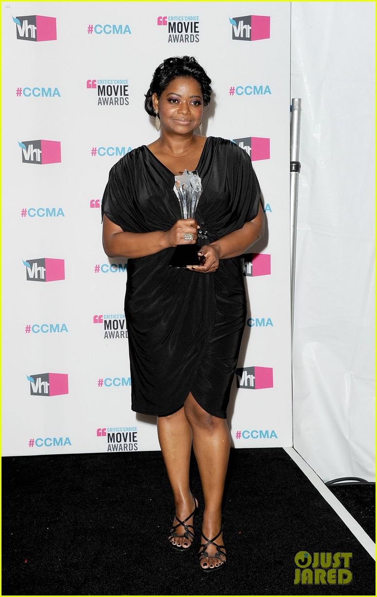 viola davis octavia spencer 2012 critics choice awards 032617109