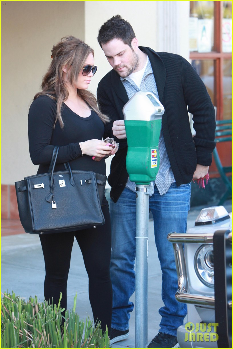 hilary duff mike comrie checkup doctor 112621913