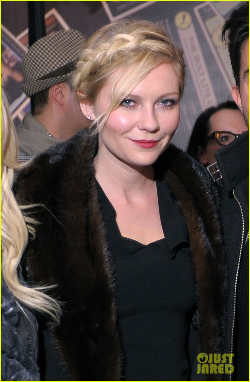 kirsten dunst t mobile party 04