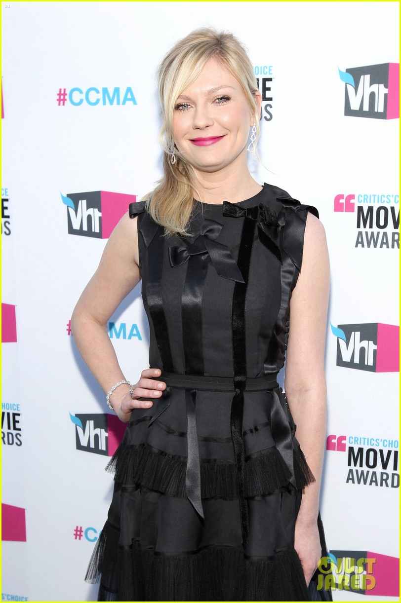 kirsten dunst 2012 critics choice awards 03