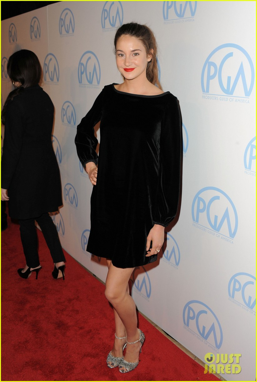 evan rachel wood shailene woodley producers guild awards 01