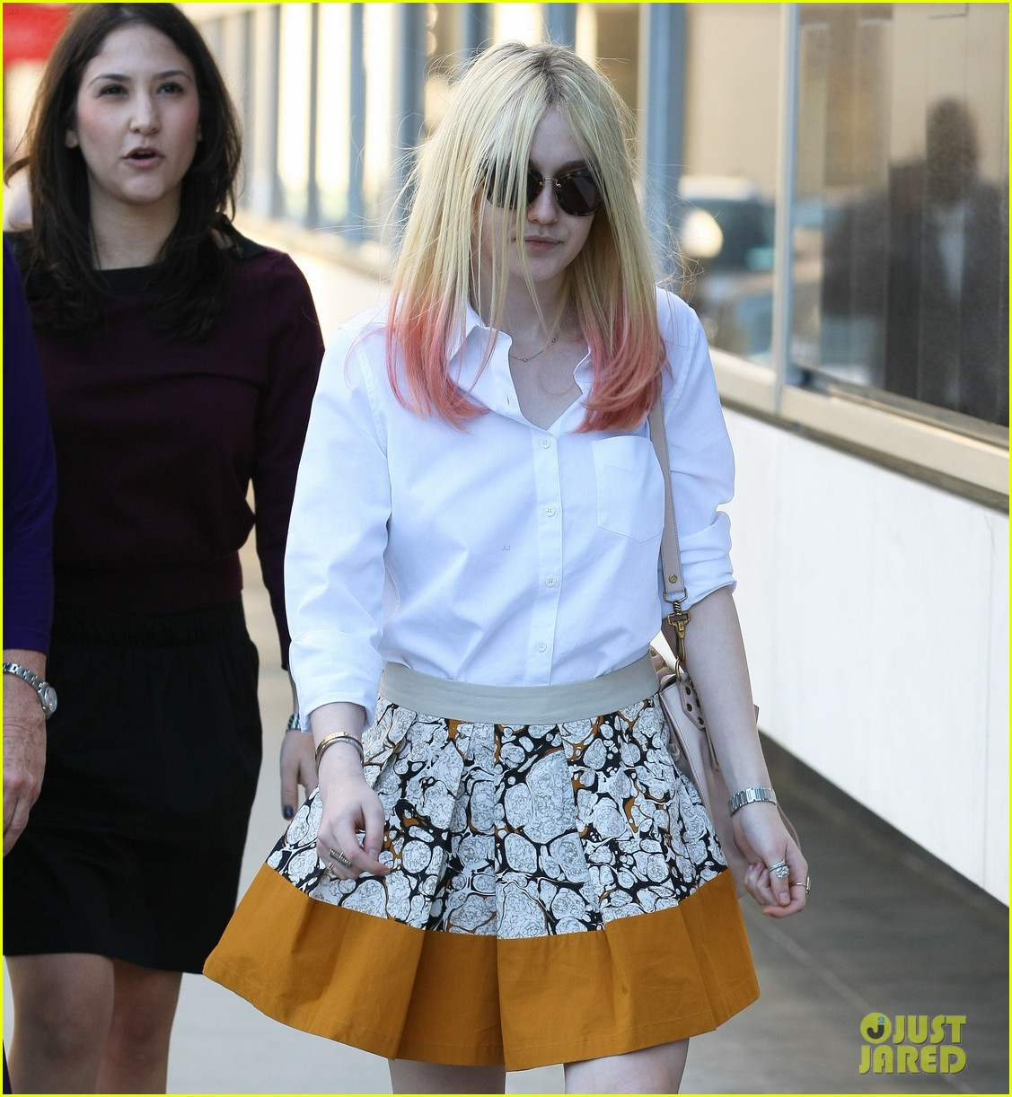 dakota fanning hot pink hair 04