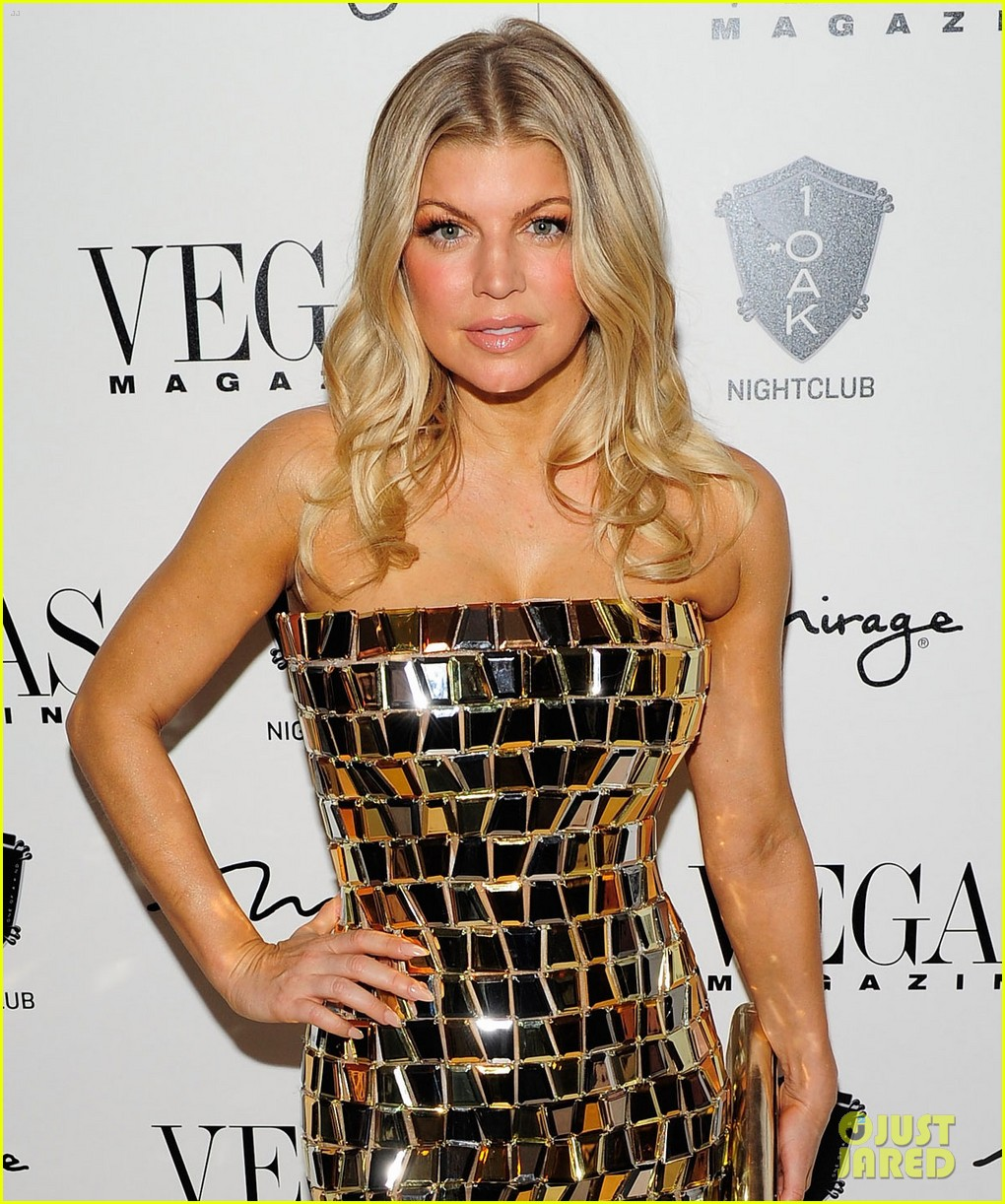 fergie nicki minaj new years eve 012613853