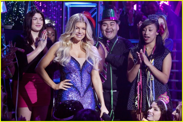 fergie nicki minaj new years eve 06b2613861