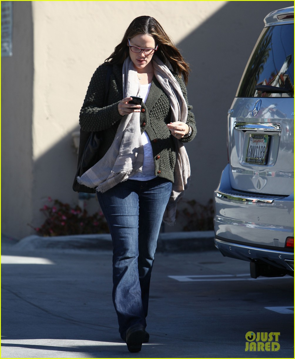 jennifer garner nail salon 012619483