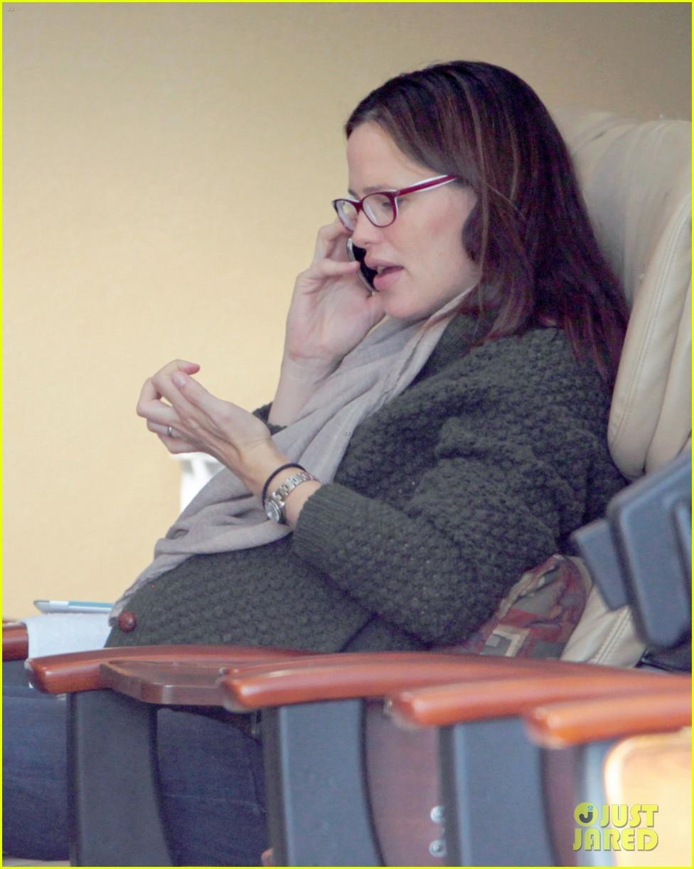 Jennifer Garner: Nail Salon Stop in Santa Monica: Photo 2619491 ...