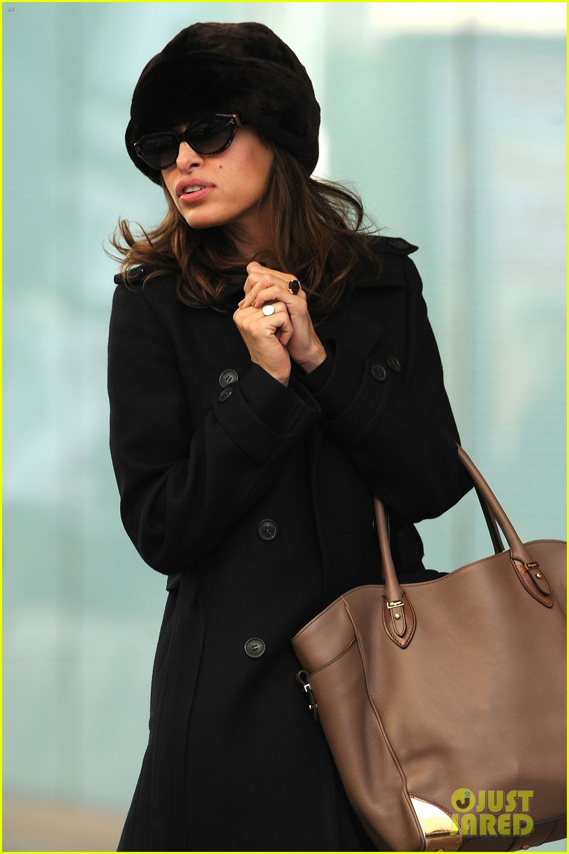 ryan gosling eva mendes day out in new york 012613915