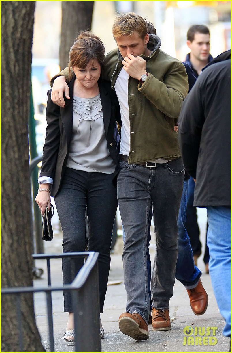 ryan gosling eva mendes day out in new york 042613918