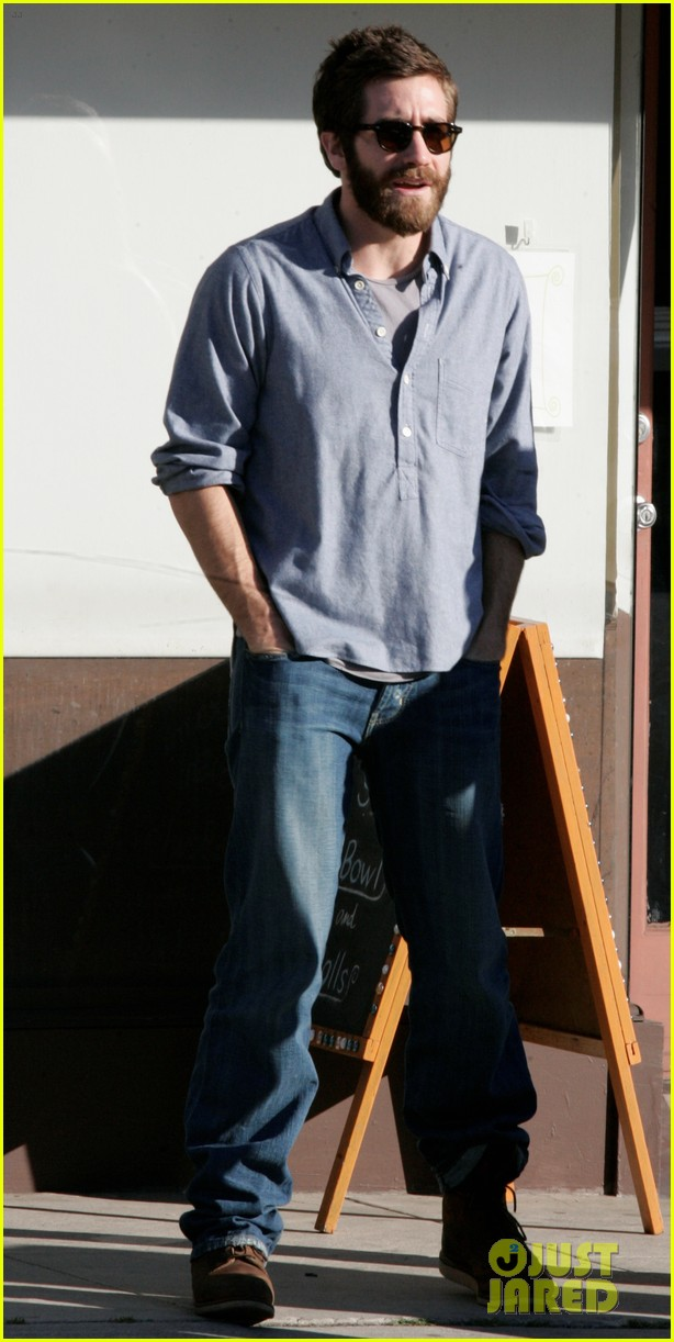 jake gyllenhaal sushi lunch 022614551