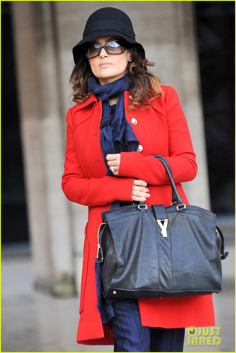 salma hayek puss in boots oscar nomination 022622864