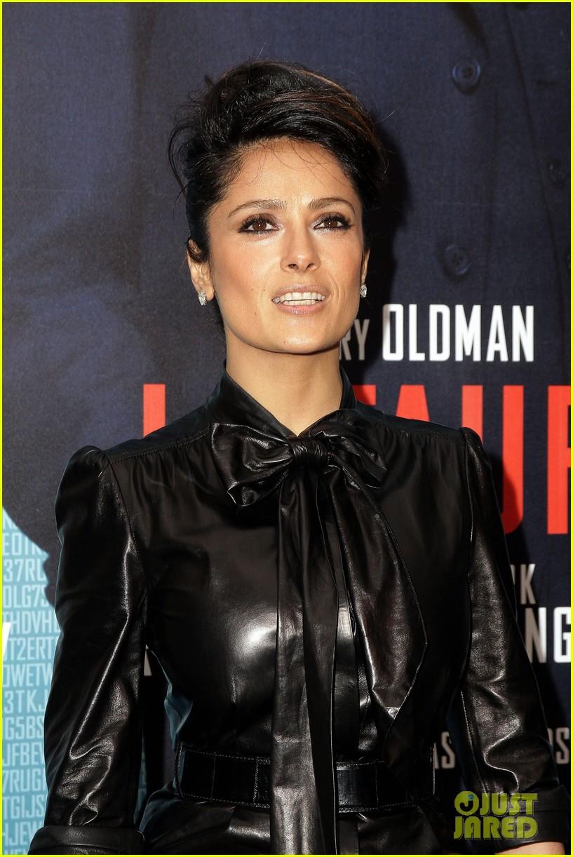 salma hayek tinker tailor paris premiere 042620387