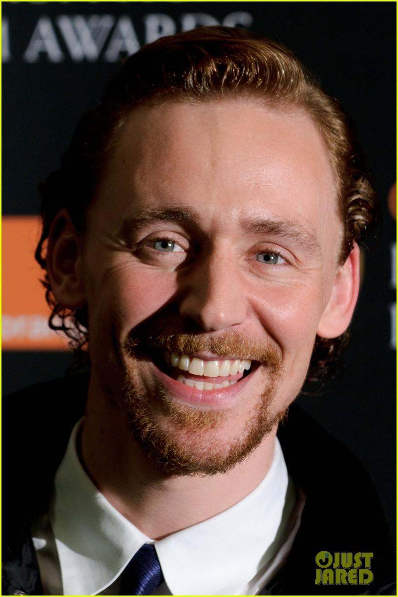 tom hiddleston eddie redmayne bafta orange 012616387