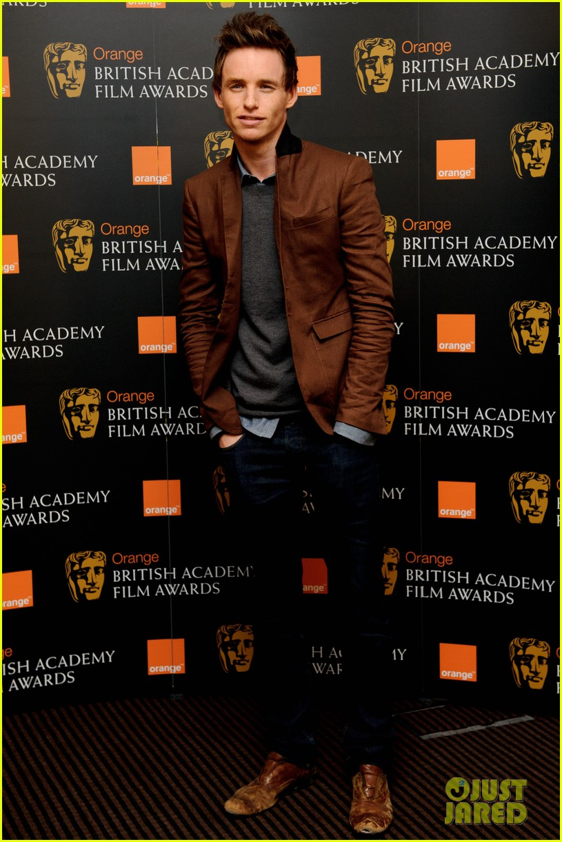 tom hiddleston eddie redmayne bafta orange 02