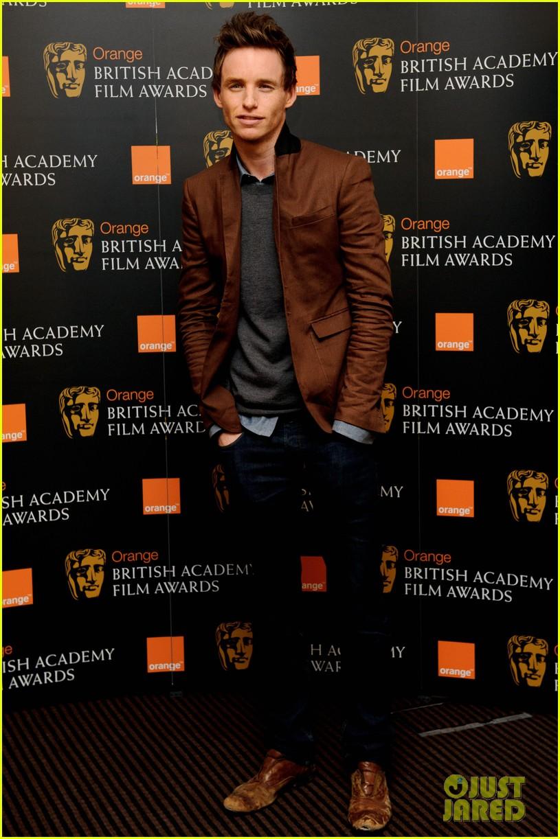 tom hiddleston eddie redmayne bafta orange 02