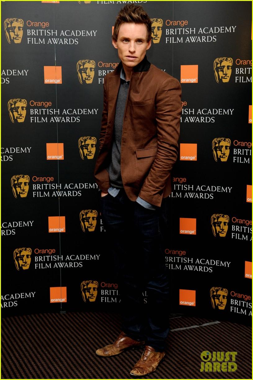 tom hiddleston eddie redmayne bafta orange 042616390