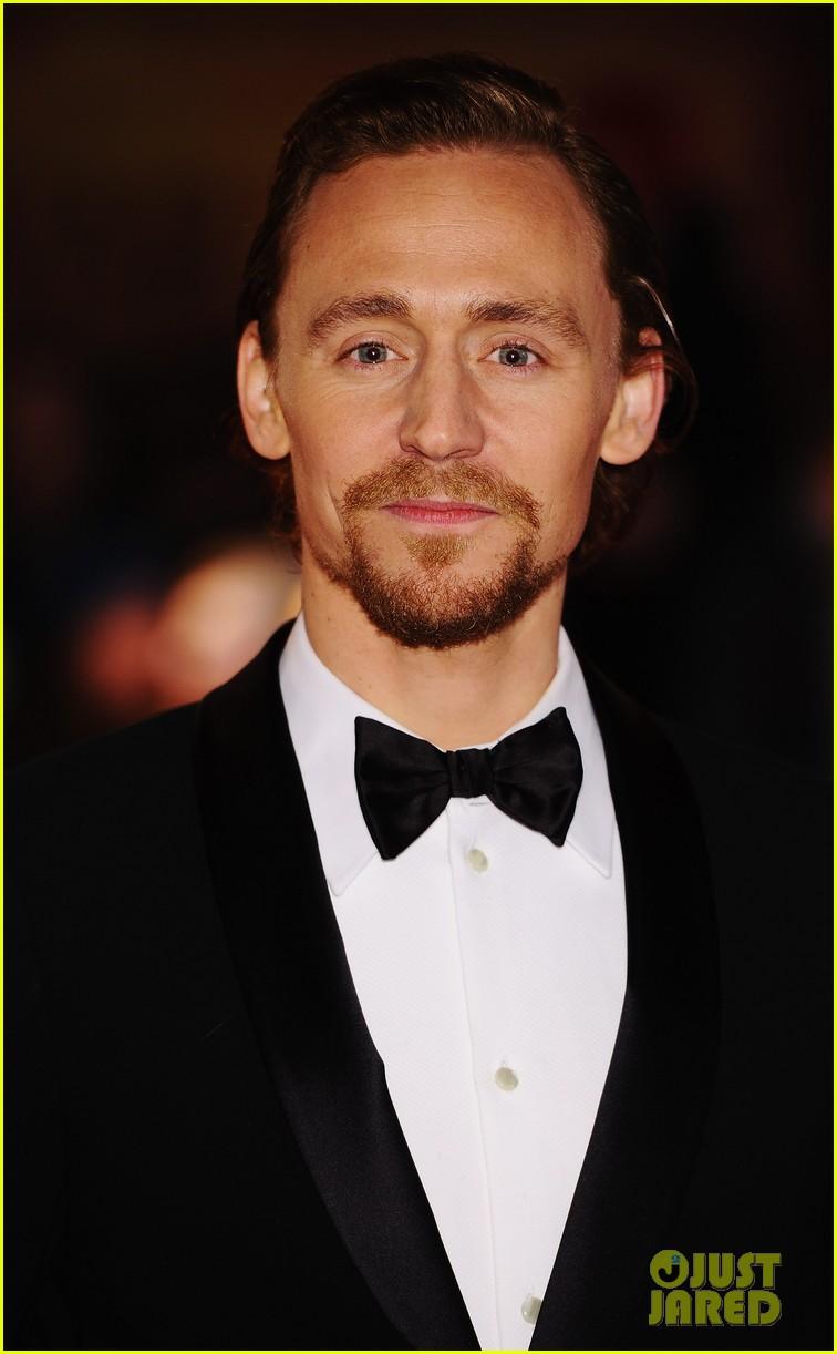 jeremy irvine tom hiddleston war horse uk 052615683