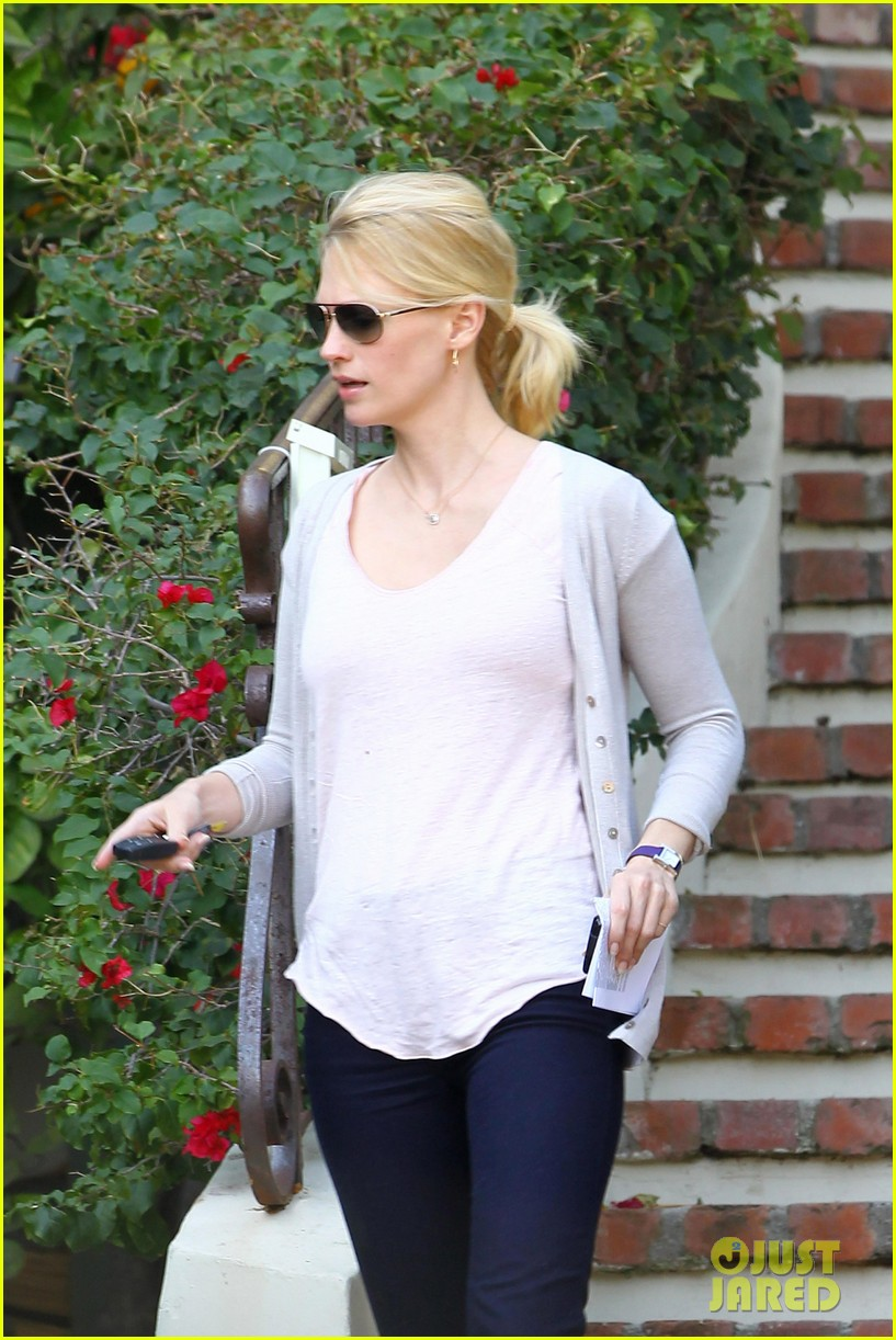 january jones birthday celebration presents 052615061
