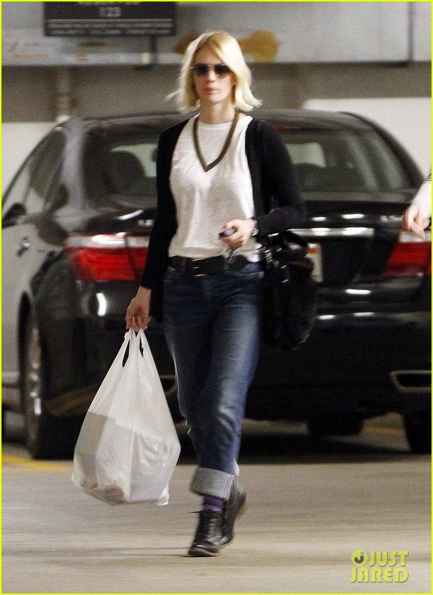 january jones gym 01