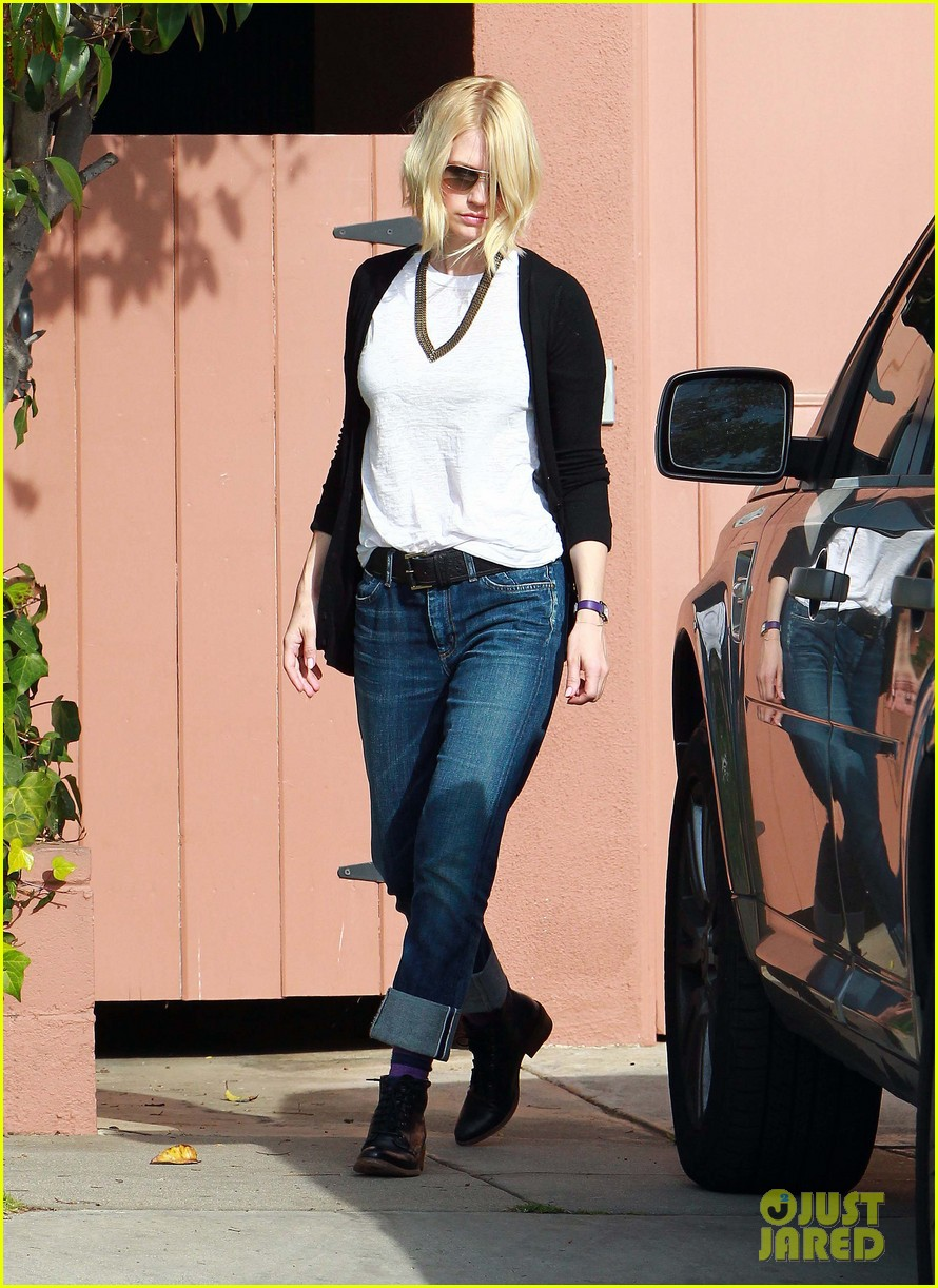 january jones gym 02