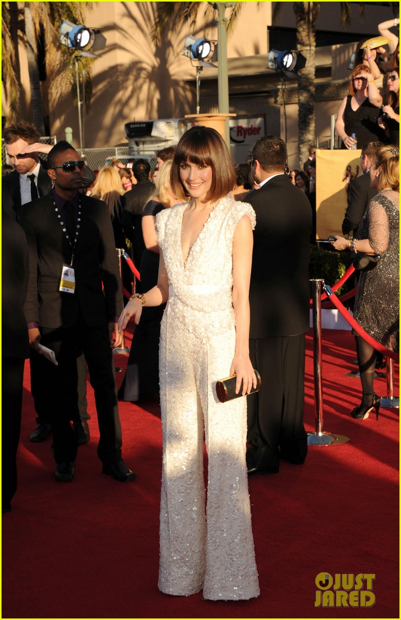 ellie kemper rose byrne sag awards 2012 03