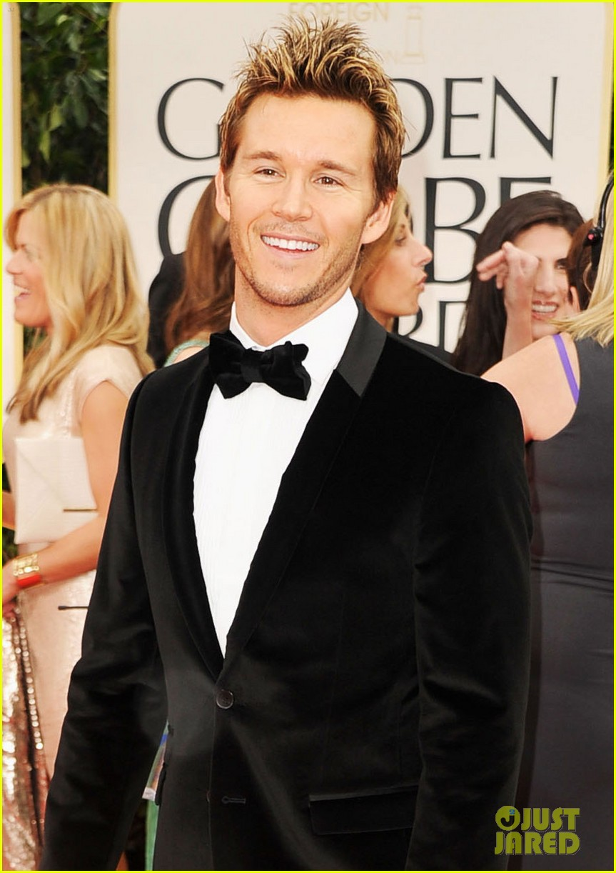 ryan kwanten 2012 golden globes red carpet 04