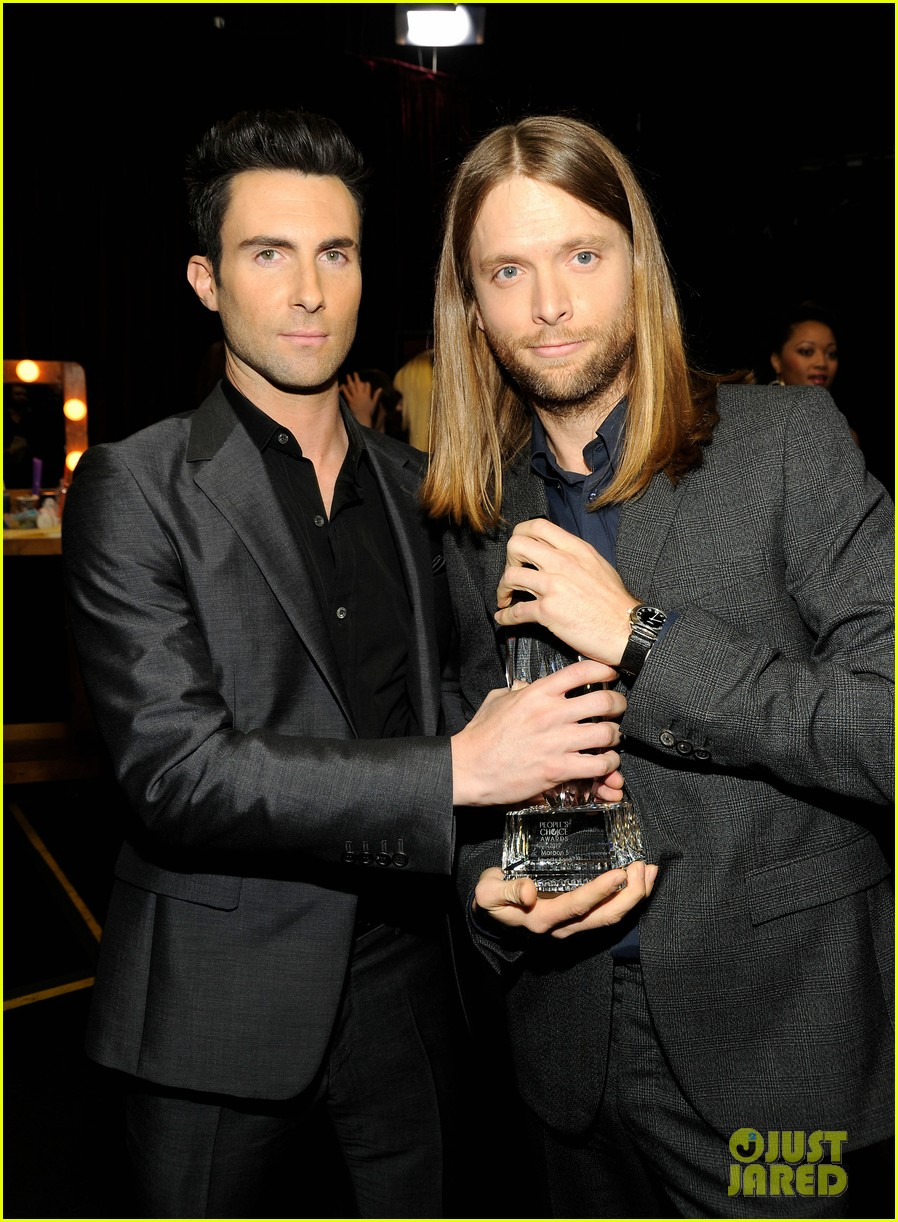 adam levine zachary levi peoples choice 2012 272616737